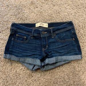 Hollister size 5 short-short shorts